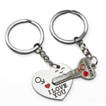 Romantikus, szerelmes, Valentin napi ajándék kulcsos szív összeilleszthető páros kulcstartó