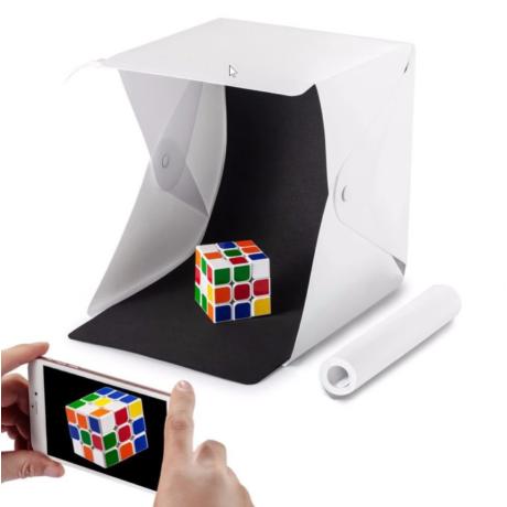 Összehajtható fekete-fehér hátterű fotódoboz, stúdiódoboz LED megvilágítással